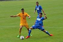 Fotbalisté Ústí nad Labem (modří) prohráli v přípravě s Duklou 1:3.