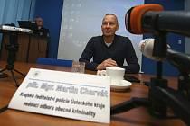 Policie na pátečním setkání s novináři oznámila, že dopadla pachatele přepadení ústeckého klenotnictví