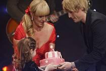 KATKA měla z dortu od Davida Deyla radost, překvapil ji.
