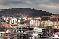 MEMBRÁNOVÁ ELEKTROLÝZA. Zařízení za 1,5 miliardy korun by mělo být uvedeno v létě do provozu.