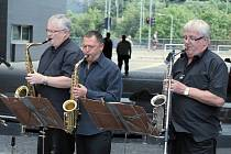 Před OC Forum v Ústí zahráli tepličtí Clarinet Society