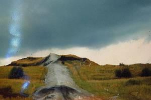 Dnes již unikátní snímky radešínské výsypky před sanací pocházejí z roku 1994. Naskenoval je jejich autor Petr Mička poté, co se mu je podařilo zachránit po velkém požáru kanceláře.