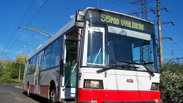 Po Ústí se prohání nový trolejbus.