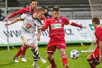 Fotbalisté Army (červení) remizovali v Hradci Králové 0:0.