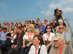 VIP hosté z tribuny viděli dobře.