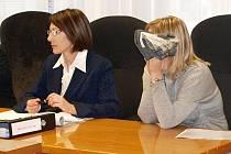 Pavla Činátlová skrývá svoji tvář. Proč, když nic neprovedla?