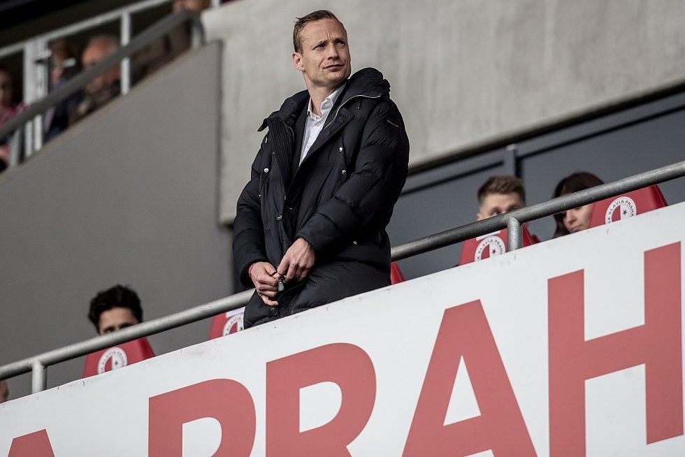 Jiří Jarošík sleduje derby. Ve středu se stal trenérem druholigového FK Ústí nad Labem.