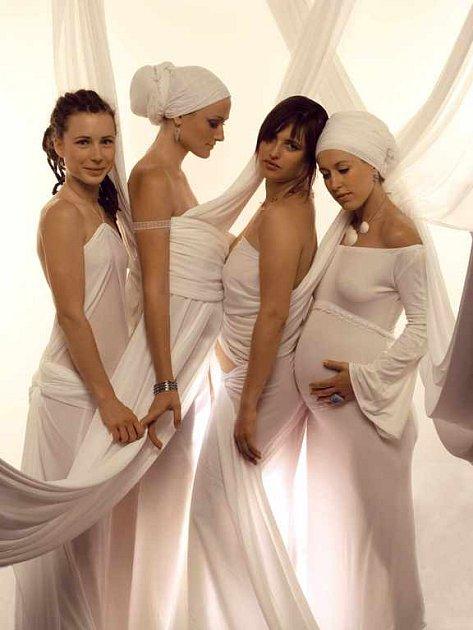 Dívčí skupina Yellow Sisters