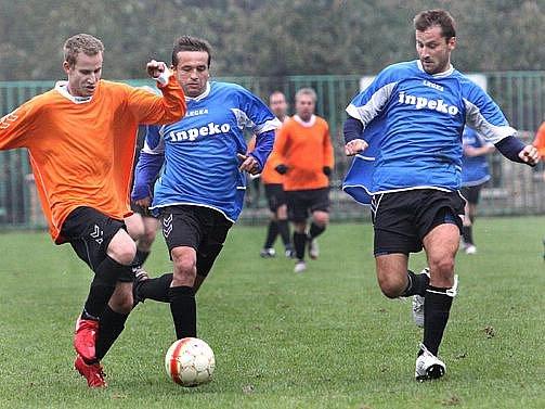V souboji rezervy Střekova (oranžové dresy) a Velkého Března vyhráli domácí 2:0.