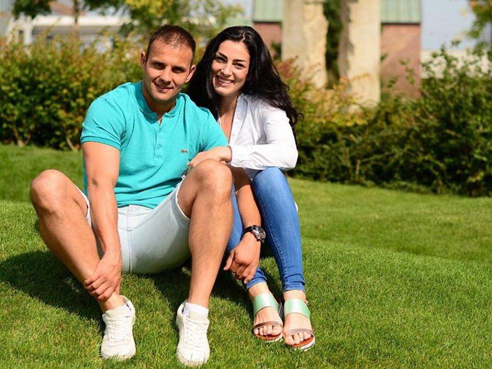 Valentýnský příběh v podzimních kulisách právě zažívají boxeři Štěpán Horváth z Chomutova a Lucie Sedláčková původem z Děčína.