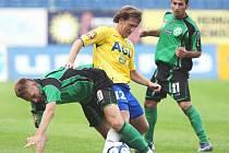 V dresu Teplic odehrál Michal Doležal (uprostřed) jedenáct sezon. V pondělí se postaví na opačnou stranu barikády, v dresu Ústí bude chtít Teplice porazit.