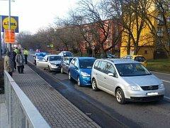 Nehoda pěti aut ve Všebořicích.