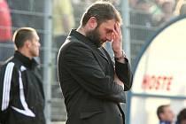 Trenér FK Ústí Svatopluk Habanec jako by nevěřil, co se s jeho týmem stalo.
