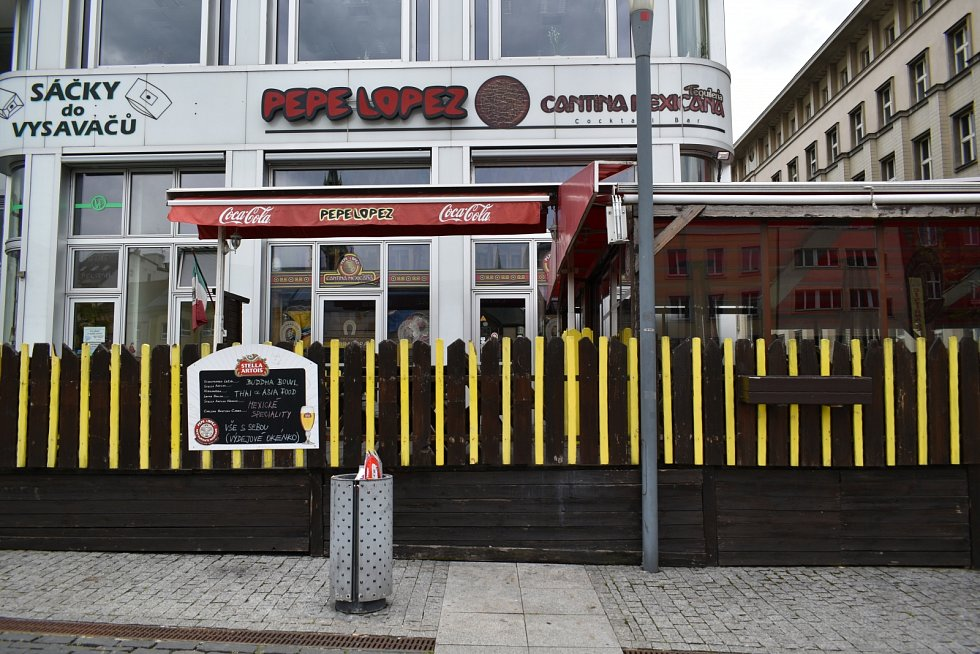 Restaurace Pepe Lopez vaří mexická jídla a sídlí přímo na Mírovém náměstí.