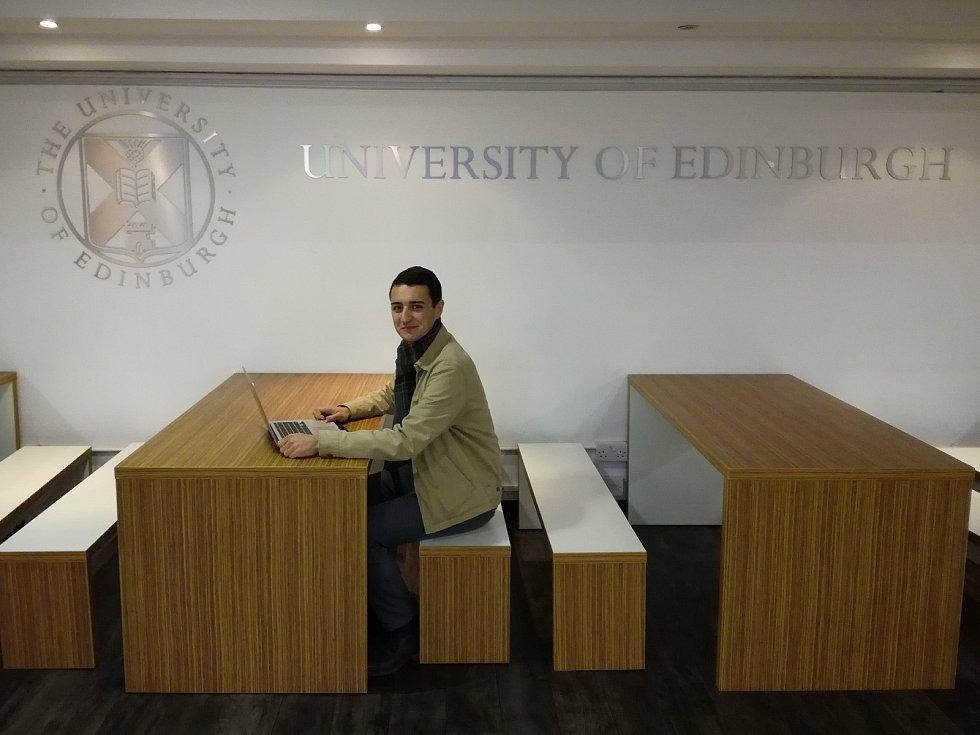 Student Daniel Andrle - gymnázium Děčín, následně škola Open Gate.
