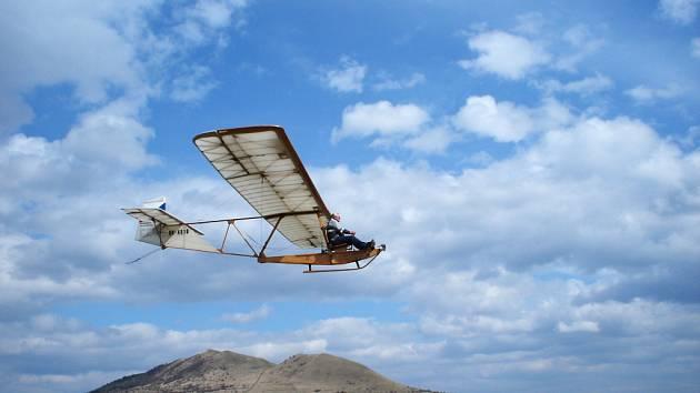Historický kluzák SG 38 Schulgleiter bude k vidění v akci i na oslavě osmdesátého výročí bezmotorového létáni na Rané.