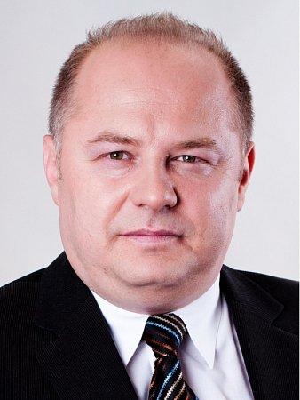 PETR HOMOLA, 41let, obchodní ředitel,  Postoloprty.