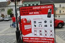 Neziskové společnosti, které se zabývají sběrem elektroodpadu, vyzývají k odevzdávání nefunkčních přístrojů, zářivek či baterií na akcích ve městech.