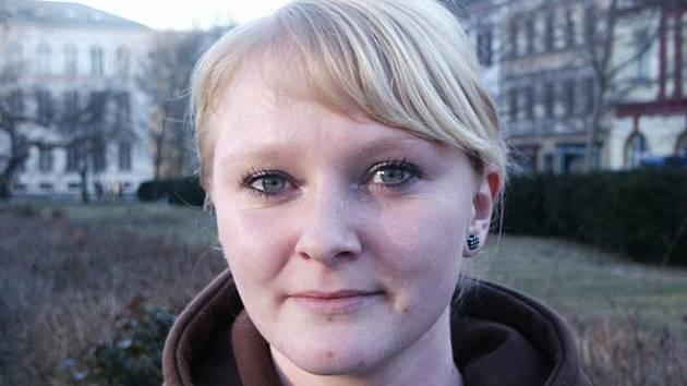 Lenka Zárybnická. studentka, 22 let: O politiku se nezajímám, takže nemohu hodnotit působení nového primátora v jeho funkci. Neznám ho.