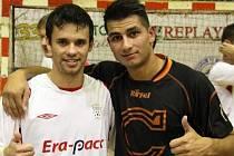 Útočník Combixu Lukáš Krok (vpravo) se vyfotil s Brazilcem Maxem.