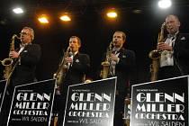 Premiéra, která vyšla. To byl skvělý koncert legendy světového swingu, show Glenn Miller Orchestra v pátek 11. ledna 2013 ve velkém sále Domu kultury v Ústí nad Labem.