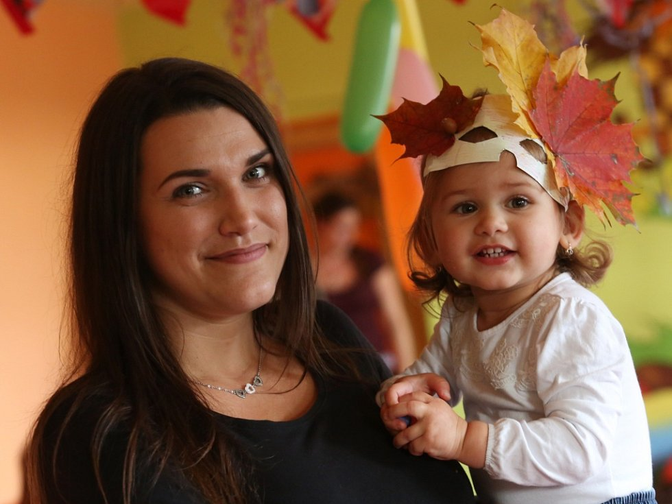 OSLAVU PODZIMU uspořádali pro děti v rodinném centru Ovečka na sídlišti Dobětice.