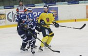 Ústečtí hokejisté (žlutí) doma prohráli s Kladnem 2:6.