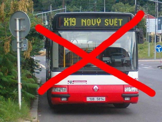 Náhradního autobusu za uzavřený podchod se obyvatelé Nového světa nedočkají