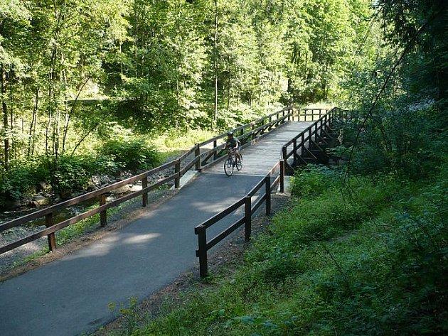 Rájem pro cyklisty, ale i pro všechny ty, kteří mají rádi přírodu , je na Chomutovsku Bezručovo údolí.