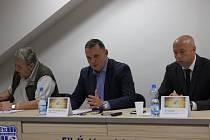 Petr Heidenreich (uprostřed).
