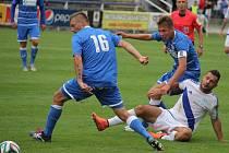 Ústečtí fotbalisté (modří) prohráli ve Frýdku-Místku 1:2.