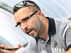 Trenér hokejbalistů Ústí Milan Jelen.