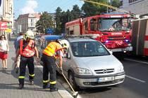 Únik nafty komplikoval v pondělí dopoledne dopravu na Masarykově ulici.