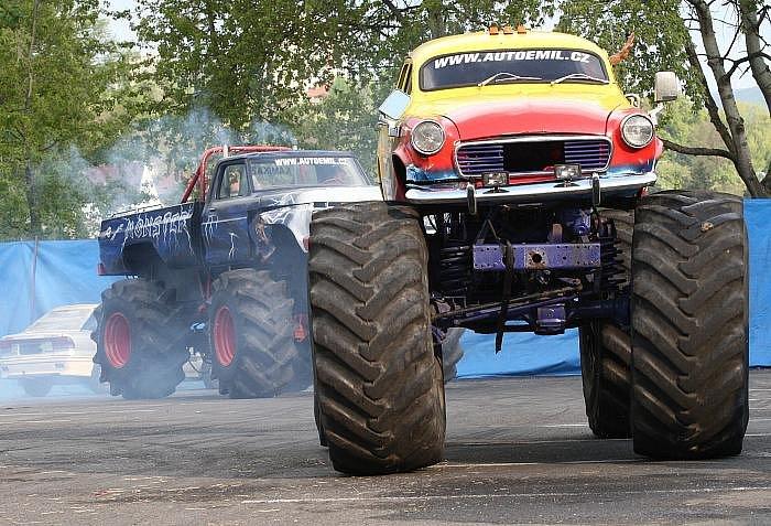Kaskadérský cirkus Chaloupka Monster truck show v Ústí  nad Labem.