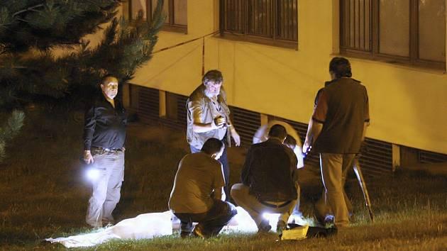 Policisté pozdě večer  zjišťovali, proč došlo k tragickému incidentu.