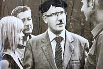 Na předvolebním plakátu ČSSD v ústecké čtvrti Neštěmice někdo premiéra a předsedu ČSSD Bohuslava Sobotku přemaloval do podoby Adolfa Hitlera.