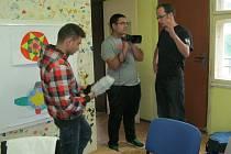 Předlická mládež informuje každý měsíc širokou veřejnost o problémech ve své lokalitě.