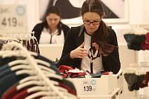 Většina obchodů v OC Forum bude mít na Silvestra otevřeno do 17.00. Ilustrační foto.