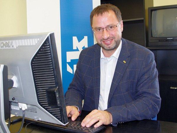 Michal Kučera (TOP 09) při online rozhovoru vredakci Deníku.