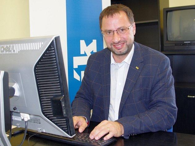 Michal Kučera (TOP 09) při online rozhovoru v redakci Deníku.
