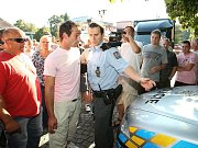 Lidé v sobotu pochodovali Ústím. Policie teď počítá, kolik celá akce stála.