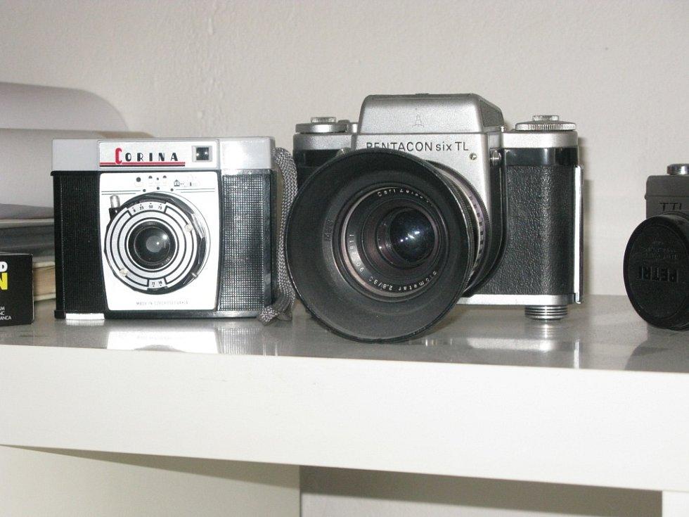 Sbírku fotoaparátů má Petr Berounský opravdu pestrou. Obohatil ji  i o unikátní exempláře.