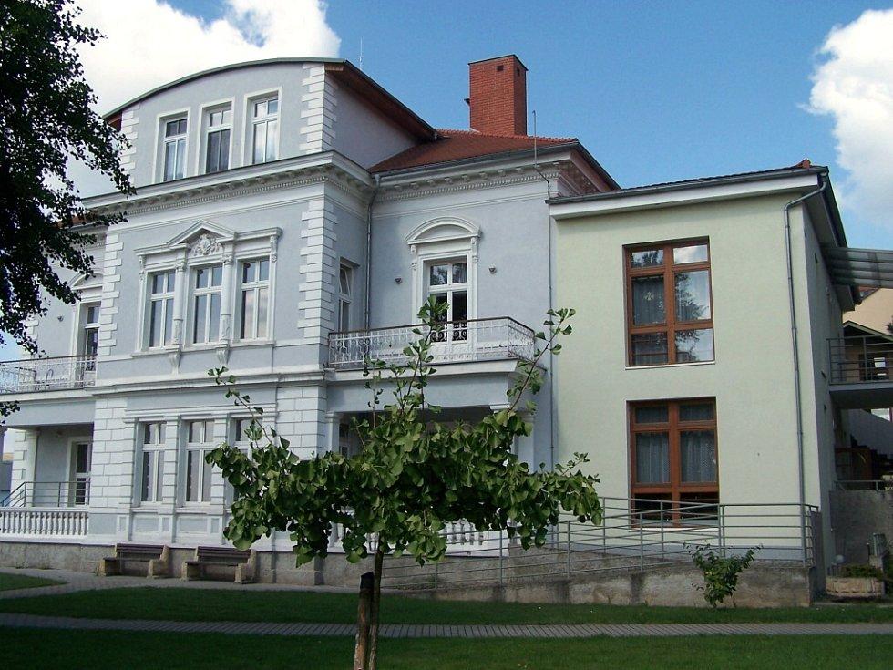 Budova hospice sloužila původně litoměřické porodnici. V sobotu 12. října se tu uskuteční Den otevřených dveří.