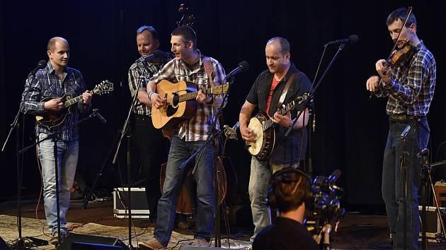 Albu Take It Easy kapely Monogram dodaly šmrnc instrumentální výkony i retro obal.
