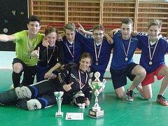 Základní škola Mírová se poprvé stala vítězem Florbalové ligy ústeckých škol.