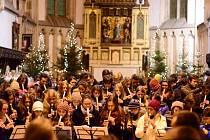 Více než stovka zobcových fléten se předvede na akci Gymnázia Jateční ve středu od 19 hodin v kostele Nanebevzetí P. Marie.