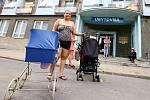 Ubytovna Modrá v Ústí skončila v létě 2018. Nájemníci, převážně Romové, se museli odstěhovat.