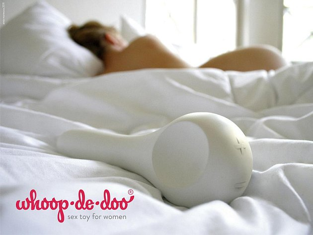 Plakát kampaně erotických pomůcek pro ženy Whoop-De-Doo, za které dostala studentka ústecké univerzity Anna Marešová hlavní cenu ve 20. ročníku soutěže Národní cena za studentský design 2011.