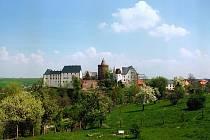 Hrad Mildenstein, nacházející se nad obcí Leisnig, leží na 60 m vysoké porfyritové skále nedaleko tržiště, a to v samém srdci Saska.