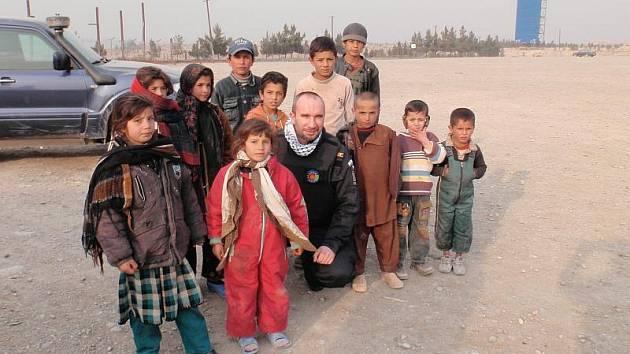 Druhá tvář Afghánistánu: Děti se bez války a bez islamistů z Tálibánu obejdou.